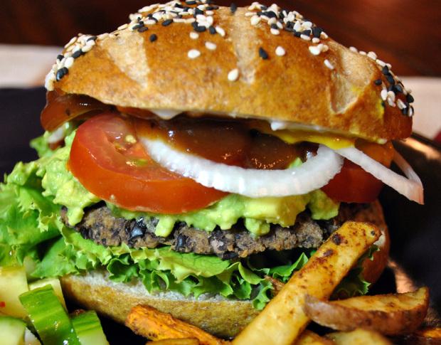 Vegetarburger med sorte bønner