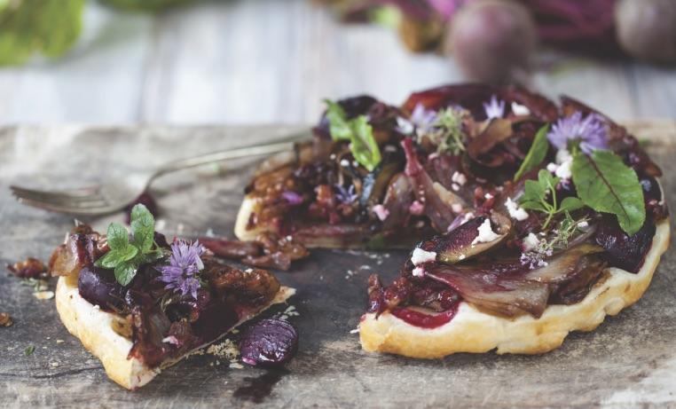Rødbede & rødløgtærte (vegan)